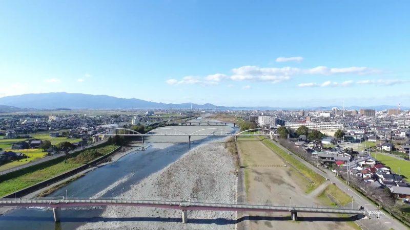 伊曽乃橋(メロディ橋)